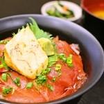 海鮮や辰海 - 特製マグロ漬け丼