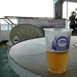 5145068 - 海を見ながらのビールは最高!