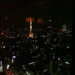 5145574 - 窓から見える夜景です