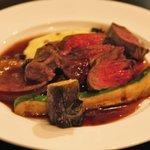 オルディネール - メニューにない蝦夷鹿のステーキ(季節の野菜の盛り合わせは撮り損ねた)2010年9月15日