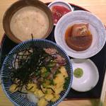 マグロ専門店 築地 マグロ 伊助 - 贅沢まかない丼1080円(税込み)