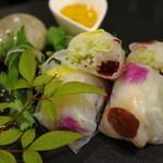 野菜と炭火肉&魚介 GOOD FARMS KITCHEN - 海老とエディフルフラワーの生春巻き