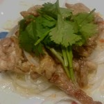 酒蔵レストランたから - 鶏せせりの炙り(アジアンソース)