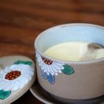 繁の家 - 茶碗蒸し、松茸・穴子・百合根・かしわ等(2016.5.26)
