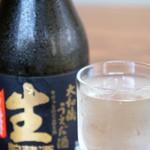 繁の家 - 冷酒は前回と変わりなく、酒300ml(奈良生駒、上田酒造、嬉長大和蔵うえだ酒 生貯蔵酒特別本醸造)(2016.5.26)
