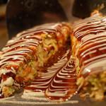 大人の鉄板 Basaro - じっくり焼き上げ、野菜の甘みが凝縮された本格的な厚焼きのお好み焼き。