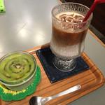 ザ・コーヒーバー - パンナコッタとアイスカフェラテ