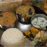 ホジャ・ナスレッディン - 料理写真:2種のカレー(野菜と豆)
