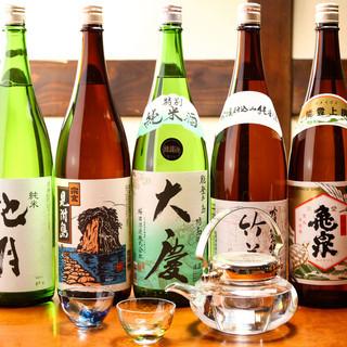 日本酒は全て能登杜氏が醸す酒のみを仕入れています。