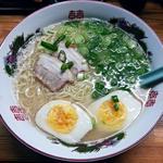 長浜やっさん - 【ラーメン + 煮玉子】¥700 + ¥150