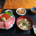 浜めし - マグロいくら丼