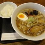 らーめん寅乃虎 - 一の寅(こってりスープ)750円