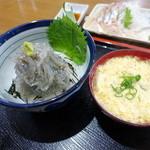 51478530 - 生しらすたっぷり丼+しらす入玉子汁
