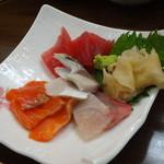 立ち喰い寿司 弁慶 - お造り