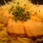 高山麺工房 - 油そば。ヘットの旨味と醬油タレが麺に絡む。