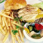 サウスカフェ - ハンバーガー♪アメリカンサイズです!