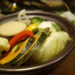 蒸し焼き ぶち - 蒸し鍋サラダ(白みそバーニャカウダー)¥690-