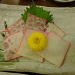 馬肉料理・まぐろと日本酒の店 赤味処馬ぐろ - くじらベーコン