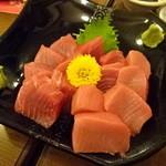馬肉料理・まぐろと日本酒の店 赤味処馬ぐろ - てんこ盛りまぐろ