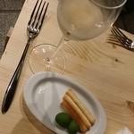 イタリアン バール ラ ファミーリア - 【H28.5.26】お店の前に急きょテーブル作成(笑)。