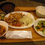 繭久里カフェ - 生姜焼きランチ(¥1000)