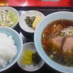 萬来 - ラーメン定食700円(税込)