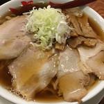 満月 - ワンタン麺大盛り@900円