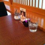 武蔵野茶房 - テーブル(季節ごとに飾りが変わります)