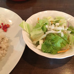 リトル スパイス - ランチのサラダ