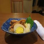 びすた - 手羽元とゆで卵の甘辛煮 550円