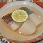 日本料理 宮本 - 真鯛と蕪の炊き合わせ