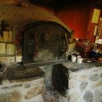 石窯パン工房森のおくりもの - 石窯(いしがま)