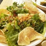 トンパイキッチン - パクチーサラダ