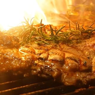 【Tボーンステーキ】当店のウリは薪で焼く塊肉!!!