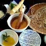 あずみの庵 - とろろ丼と熟成十割そばにミニ天ぷらを追加