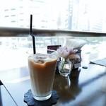 カフェ フロリ - アイスカフェラテ