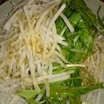 甘太郎 - 大根サラダ。