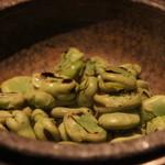51550426 - 空豆のしょっつる石鍋焼き