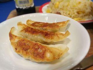 紅虎餃子房 ヴィーナスフォート店 - 坦々麺とチャーハン・餃子セット 1580円