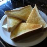 シャルマン - バタートースト(250円)