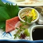 一匠 - 【造里】大間生本鮪 五島ハタ 三重活とこぶしをどこかの特別なお醤油で
