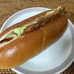 パンタジー - 料理写真:とんかつドッグ