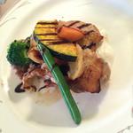 シェモア - 若鶏のビブレスカスソース 良い焼き加減だけどソースがちょっと合わなかった…