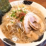 麺屋 しゃがら - しょうゆらーめん(680円)+大盛り(10円)