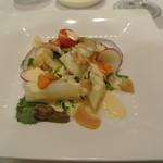 51561873 - ホワイトアスパラガスと真ツブのサラダ、うに風味のクリームソース