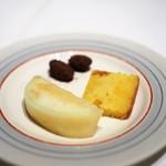 マッシュルーム - 小菓子(桃が美味しい)