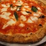 51567588 - 水牛モッツァレラチーズが決め手のマルゲリータ・クラシッカ