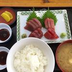 小川港魚河岸食堂 - 刺し身定食¥1000