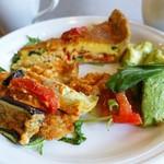 FRANZE & EVANS LONDON - 2種のサラダとホットディッシュ