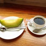 メロン ハウス かわぐち - コーヒー400円。